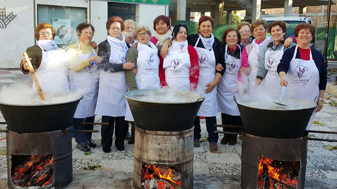 Las mujeres de Cúllar Vega cocinarán su tradicional puchero de San Antón para ayudar a los vecinos más necesitados