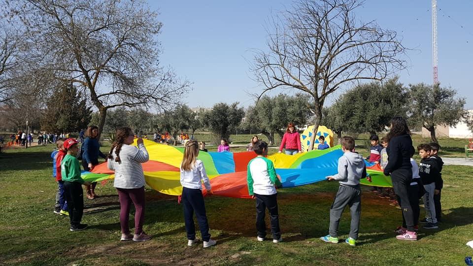 Más de 700 escolares de Cúllar Vega  celebran el tradicional 'Jueves Gordo'