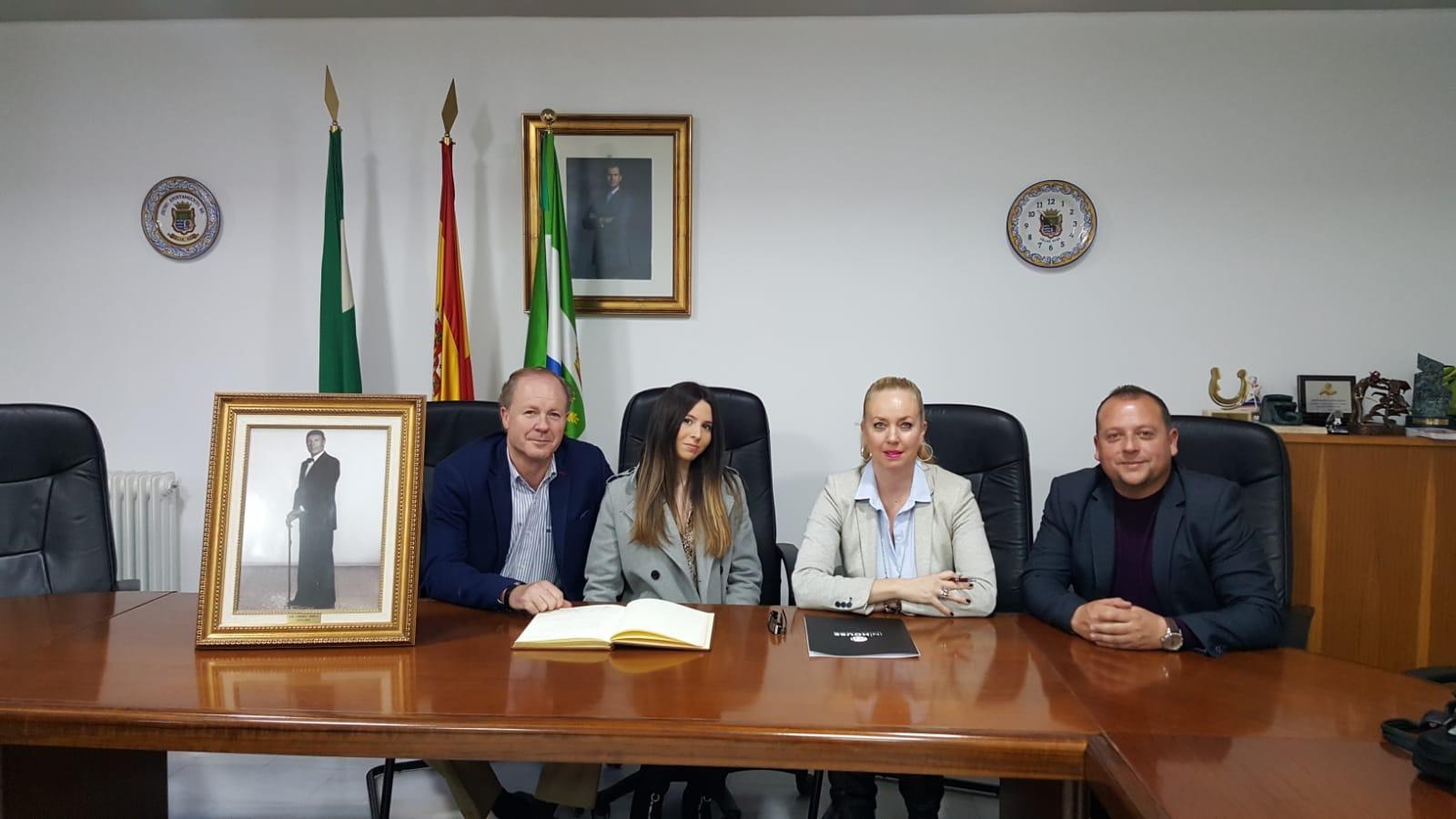 Cúllar Vega rinde homenaje a todos sus alcaldes de la democracia