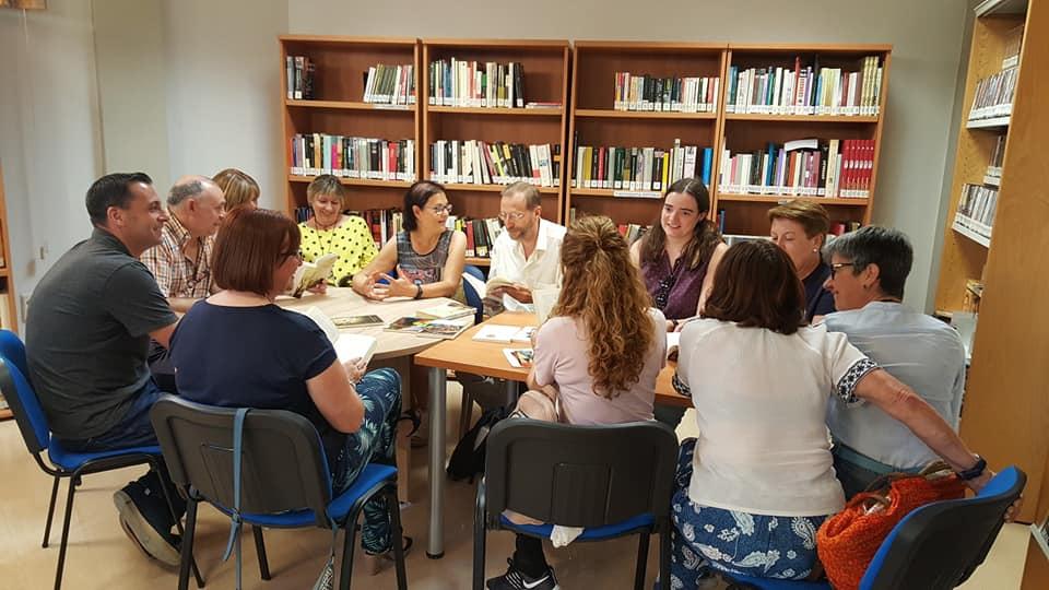 El escritor Ángel Olgoso clausura el Club de Lectura de Cúllar Vega