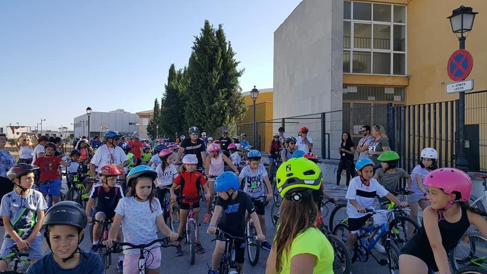 Cúllar Vega fomenta que los escolares utilicen la bicicleta para ir al 'cole'