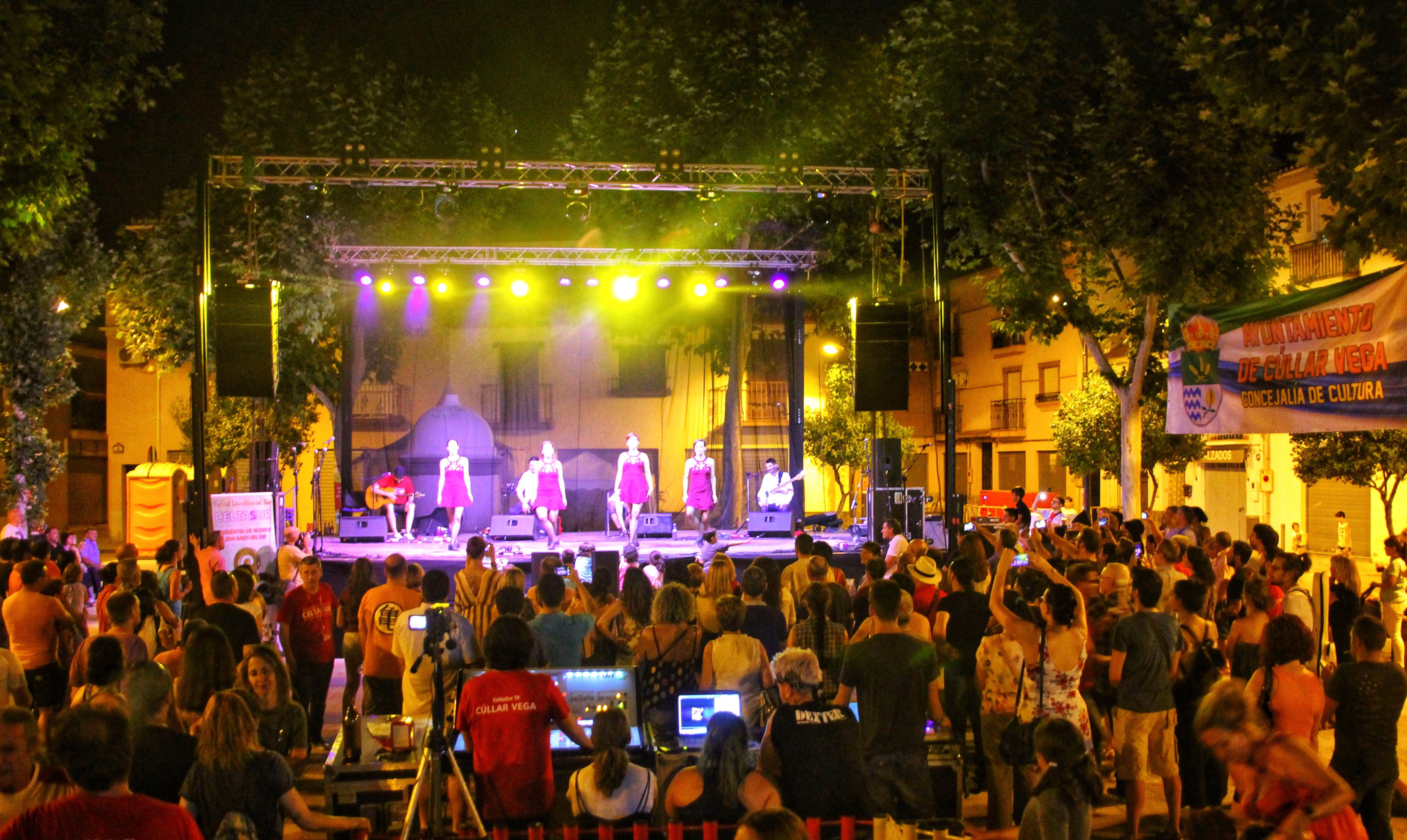 Más de 2.000 personas disfrutan de la mejor música en el Festival Intercéltico del Sur Celtasur en Cúllar Vega