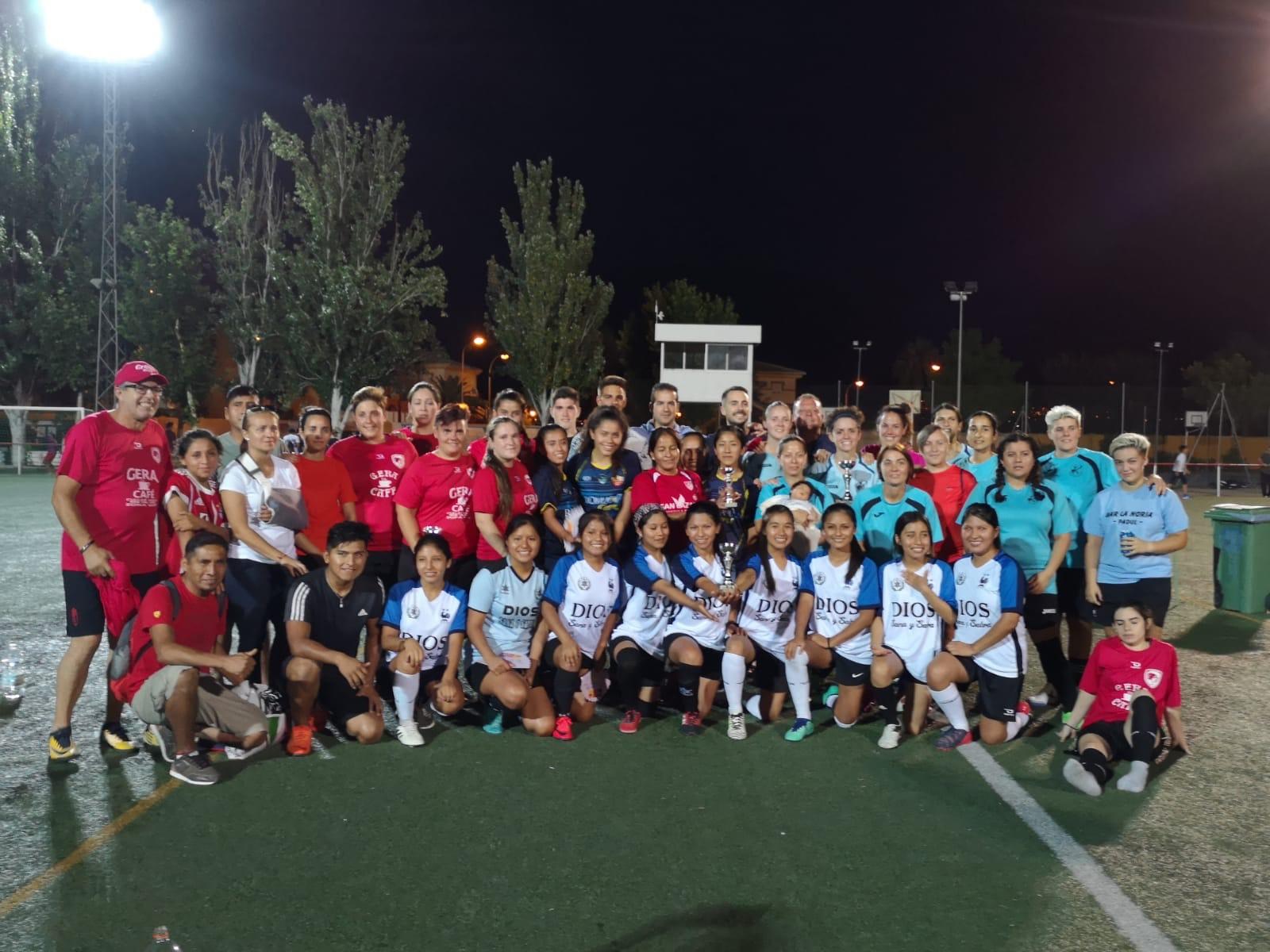 Las futbolistas del CD Huracán vencen el III Torneo Femenino de Fútbol 7 de El Ventorrillo