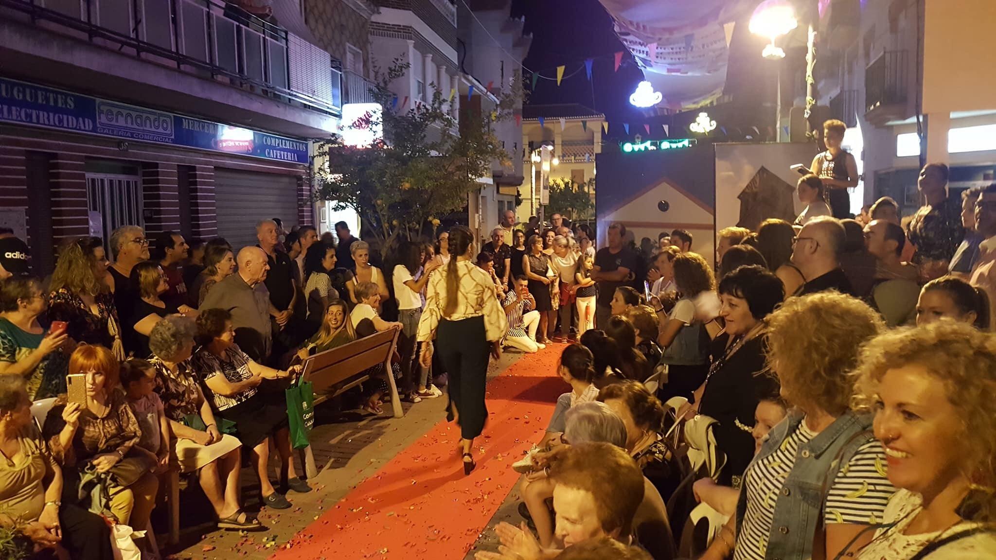 Cúllar Vega organiza una Noche en Blanco para promocionar el comercio local