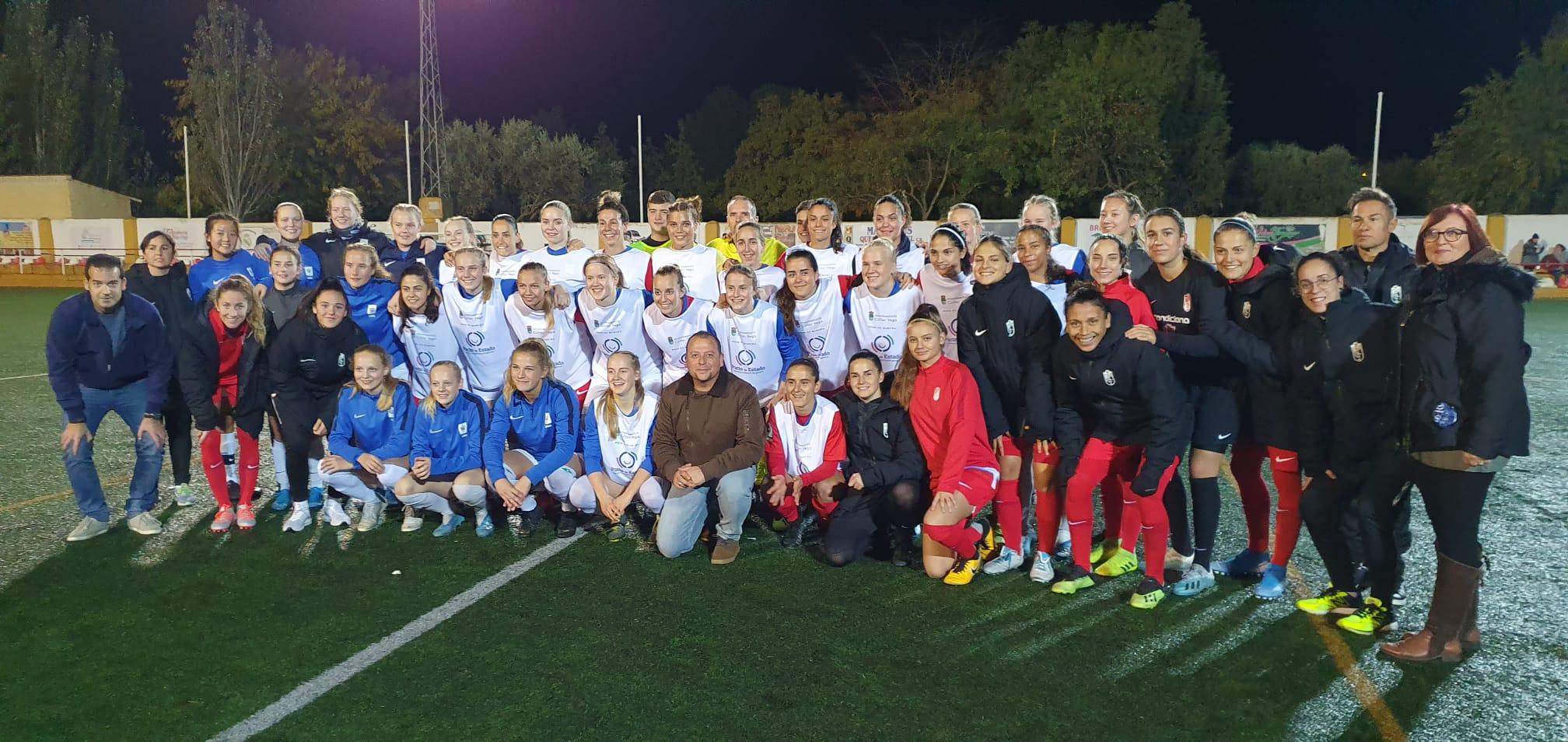 Cúllar Vega acoge un partido amistoso entre las futbolistas del Granada CF y un combinado noruego