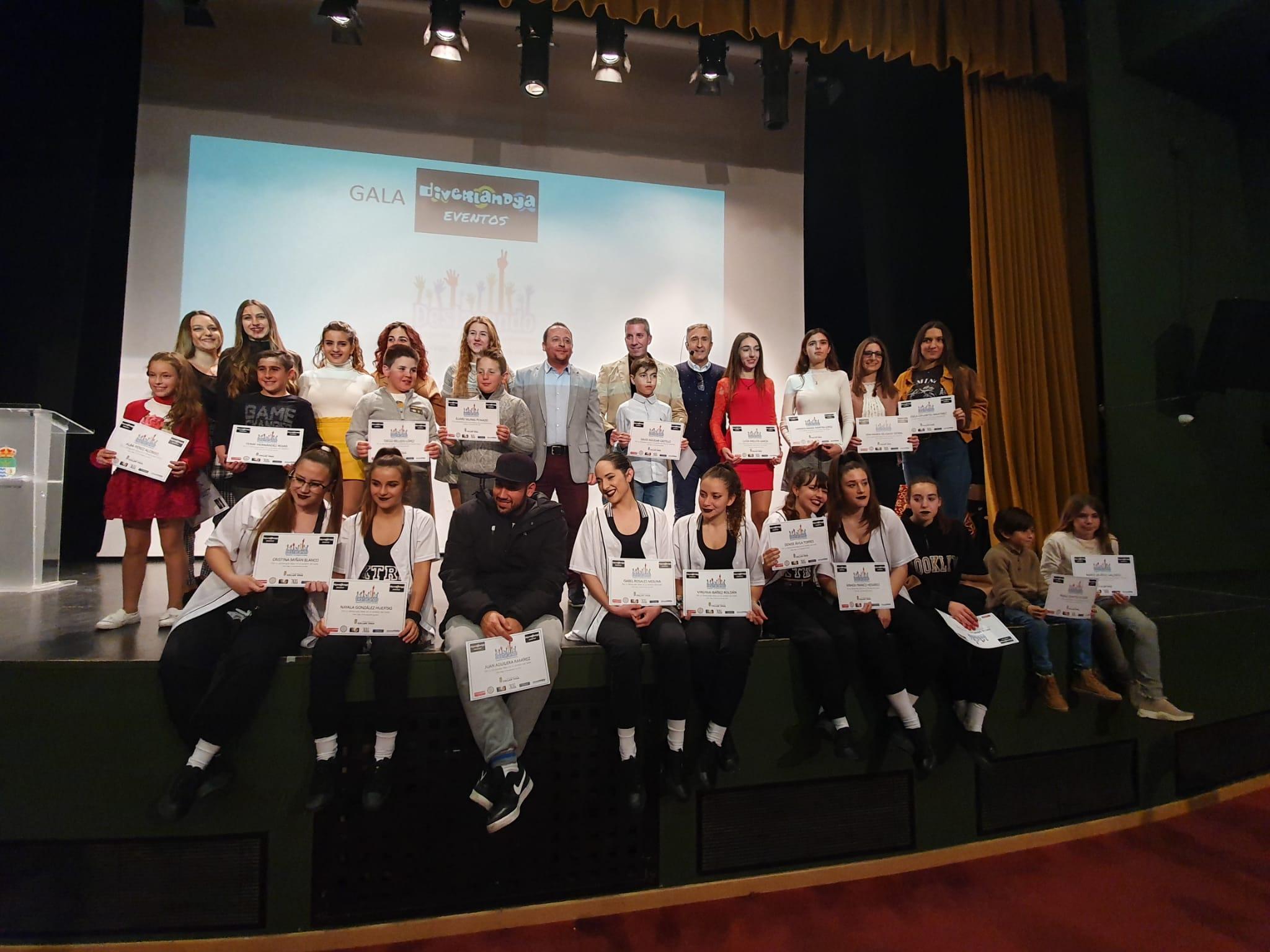 Cúllar Vega reconoce el talento de sus jóvenes con la entrega de los 'Premios Destacando'