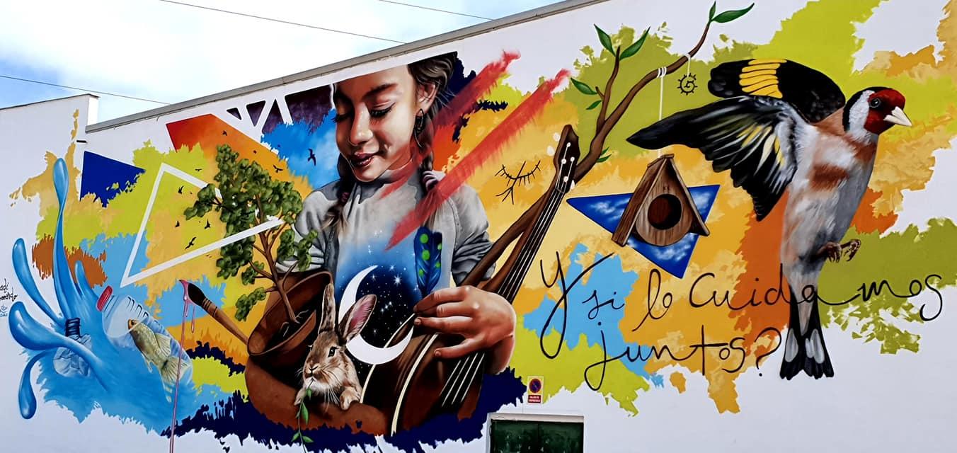 ¿Y si lo cuidamos Juntos? mural del artista Badi Coloreando en Cúllar Vega