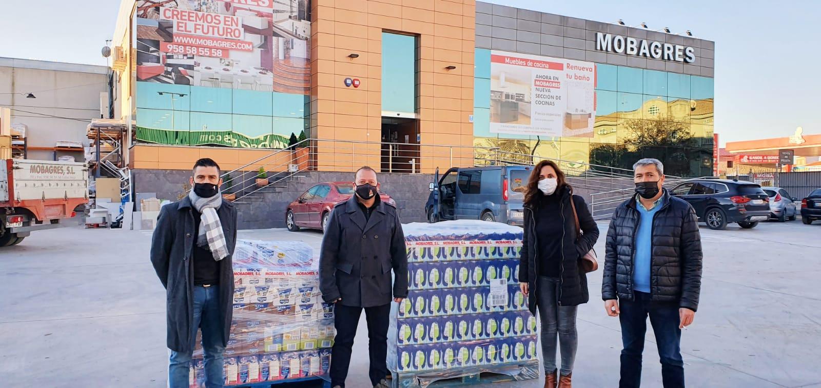 Varias empresas de Cúllar Vega donan dinero y comida al Reparto Municipal de Alimentos