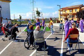 Los mayores de Cúllar Vega vuelven a hacer ejercicio al aire libre después de un año de pandemia